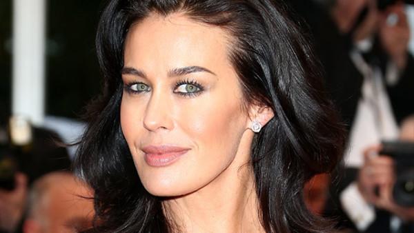 Quarant'anni di bellezza per la modella e attrice Megan Gale [foto]