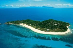 """Proposta shock per i migranti, miliardario: """"Compro un'isola e la uso per accoglierli"""""""