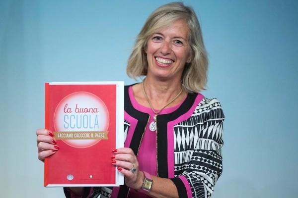 """Scuola, assunti 38mila nuovi docenti. Giannini: """"Si sposteranno in 7mila"""""""