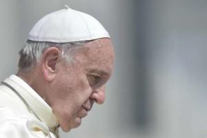 """Papa Francesco: """"Anche nella Chiesa ci sono gli arrampicatori, gli attaccati ai soldi"""""""