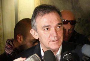 """Governatore Toscana: """"Renzi sbaglia! Costituzionalisti vanno ascoltati non attaccati"""""""