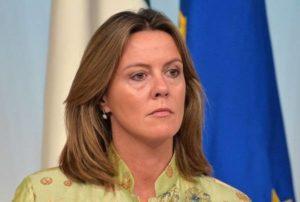 """Legge cannabis, ministro Lorenzin: """"Totalmente contraria a 'normalizzazione' uso di droga"""""""