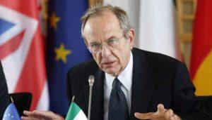 """Banche, Pier Carlo Padoan: """"Non c'è alcun rischio di stabilità sistemica"""""""