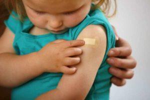 """Vaccini, SIPPS: """"I magistrati possono togliere i figli ai genitori per farli vaccinare"""""""