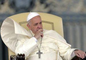 """Strage Isis a Dacca, Papa Francesco: """"Atti di barbarie, offese contro Dio e l'umanità"""""""