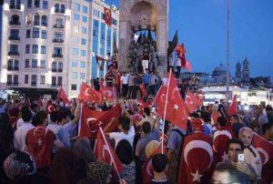 Turchia, 42 giornalisti arrestati: sono accusati di aver sostenuto Fethullan Gulen
