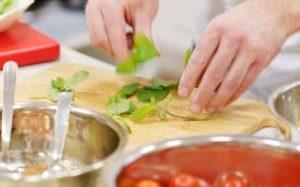 Lezioni di cucina? Passa una giornata con uno chef stellato
